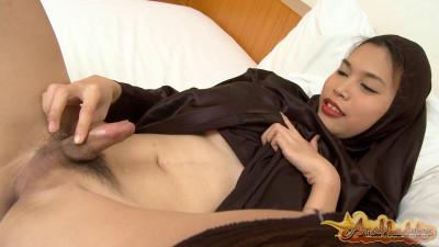 Ruya Upskirt Delight (2012)