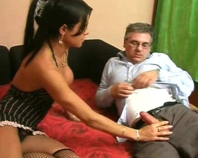 Muscled T-Girl - Scene 1