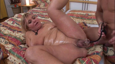 Chubby Mother loves to fuck Around