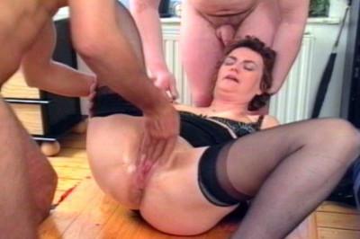 Perversa - Der Urinator Scene 3