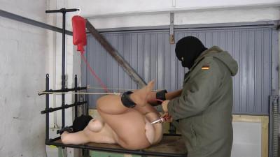 Double penetrator for Slave girl