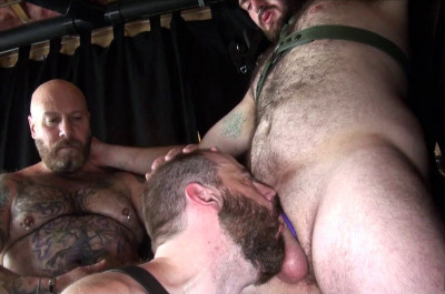Hot Threesome Daddy Cub, Steve Sommers & Lucas (1080p)