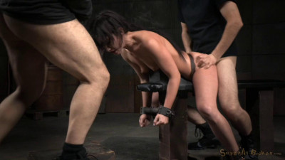 All Natural Queen Jennifer White Shackled Down Roughly Fucked Brutal Blowjobs (2015)
