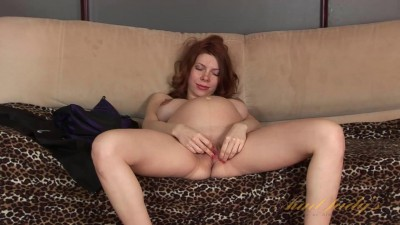 Pregnant amateur Iviola is feeling horny. She strips from her clothes and shows
