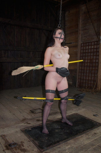 IR – October 17, 2014 – The Maid – Mandy Muse And OT – HD