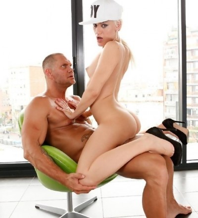 Brenda Starlix, Nacho Vidal — Blondie Cornered By Nacho Vidal HD 720p