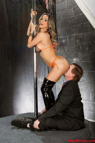 Nadia Styles and Kyle Ass Worship, Facesitting (2015)