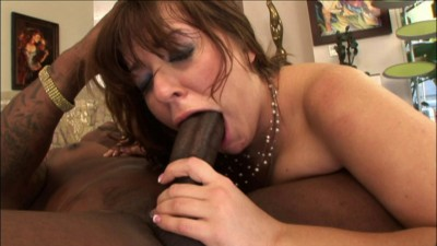 Alice Bell in interracial banging