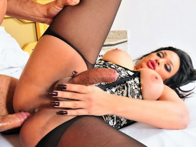 Stunning TS Monik Lorran Gets Fucked
