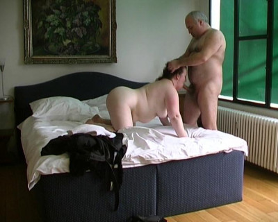 Fat chick gets assfucked