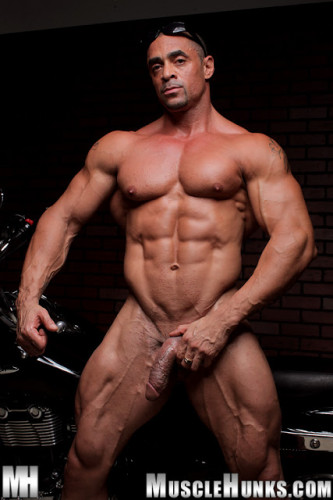 MuscleHunks - Eddie Camacho: The Return of Eddie Camacho (2012)