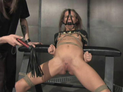 Inverse-Bend – Interview, Whipped, Nipple Torture, Pussyrope – Devaun Long
