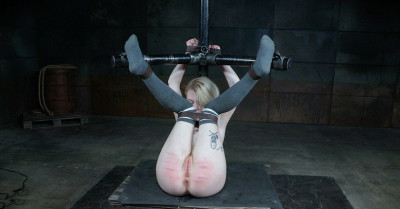 Anna Tyler-Wiggle Room(BDSM)