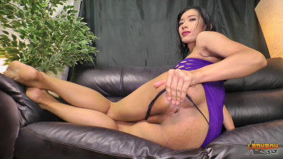 Palmy Jacks Her Big Cock