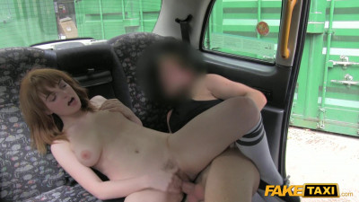 Amateur Girl With Hairy Pussy Gets Banged In The Taxi