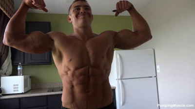 Pumping Muscle – Lyle C. Photo Shoot Part 2 (nude Part Edited)