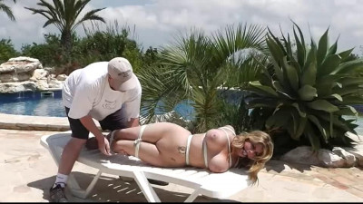Hogtie challenge for very sexy Blonde