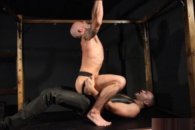 Master Malik fucks Ben Statham (720p)