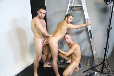Extra Big Dicks - Acrobatic Menage - Dylan Knight, Braxton Smith, Luke Wilde 540p