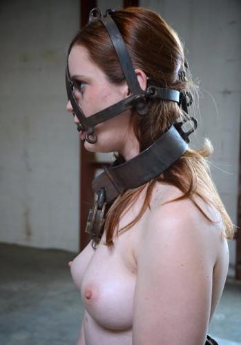 Obedient girl loves dick