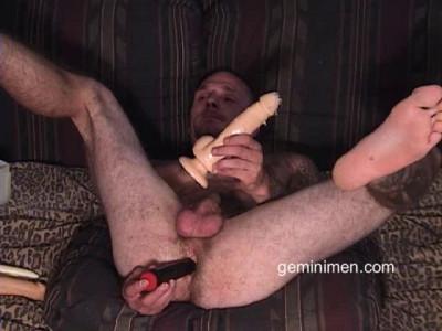 Gemini Men - Chuck - Toys