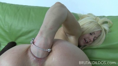Holly Hanna Big Dildo Anal Fisting And Prolapse (2014)
