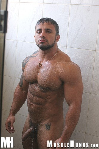 Hot Muscle Guys