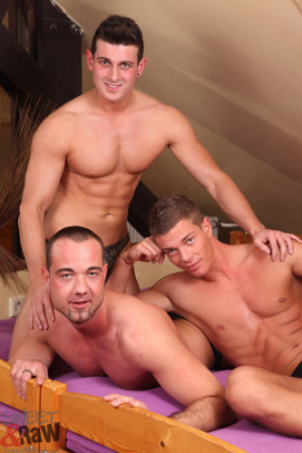 Aslan Brutti, Rocky Fox and Paris Neeo Anal sex (2013)