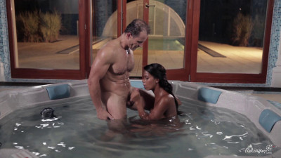 Hot babe Isabella Chrystin fucking in the Jacuzzi-1080p