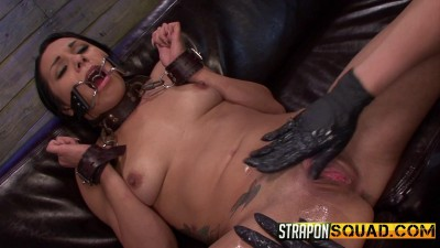 Isa Mendez Takes More Double Penetration Fun from Brooklyn Daniels And Lexy Villa (2014)