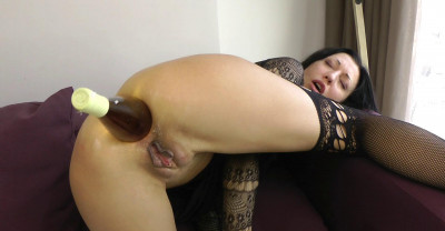Sexy Jo And Anal Bottle
