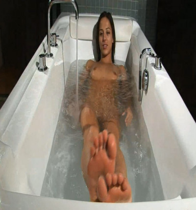 Dominika C - Hot Tub 3D