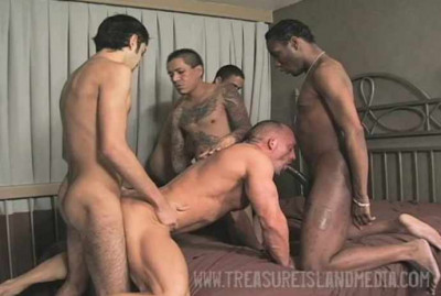 Group sex with amazing muscle men