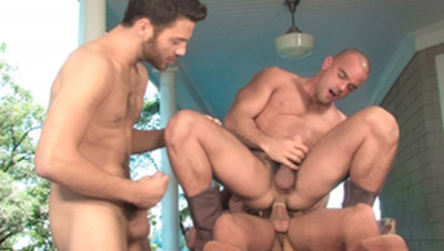 Tommy Defendi, Donny Wright and Damien (Giants) — Falcon