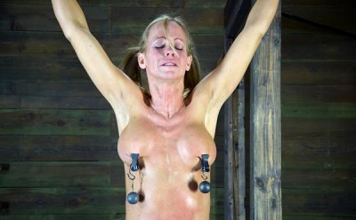 Simone Sonay – Smoken Hot Blond Cougar, With Amazing Body, Suffers Category 5 Skull Fucking