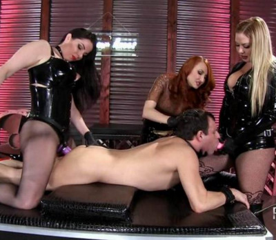 3D — Alexandra Snow, Kendra James and Lexi Sindel