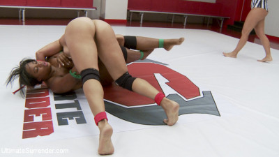 Two Dominant Wrestlers Fight in Erotic Wrestling, Only One can Win