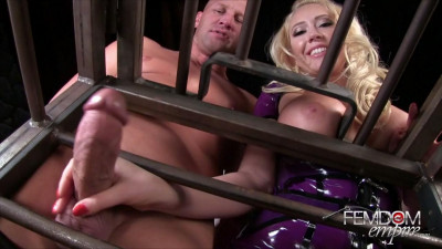 Kagney Linn Karter - Caged And Cuckolded