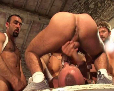 Group fuck with muscle bears
