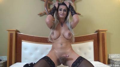 A Travesti Ana Kelly Sensualizando (2015)