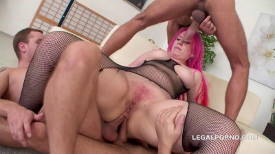 Big Slut In Brutal Orgy With DP