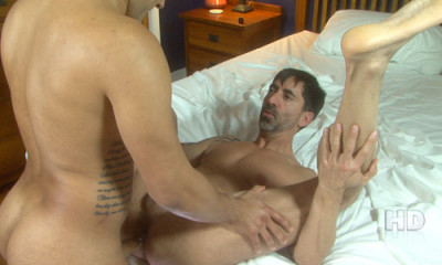 HotOlderMale - Tony Vega Tops Daddy Reed Mathews _HD