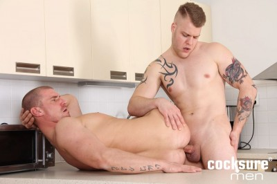 Paul Fresh Barebacks Max Bourne