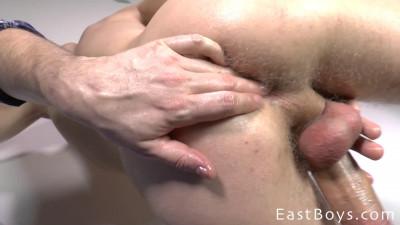 Eastboys - Mark Blom Handjob - Cumshot - Massage