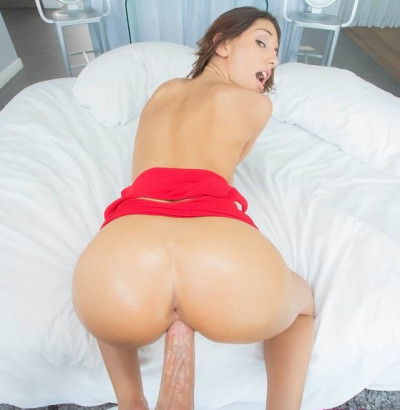 Hot Babe Sucked and Fucked That Dick Like It Was Her Last