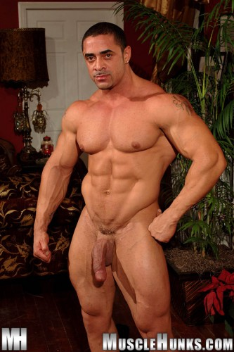 MuscleHunks - Eddie Camacho: The Lost Interview (2006)