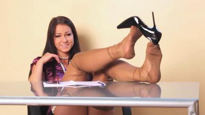 Too kinky secretary