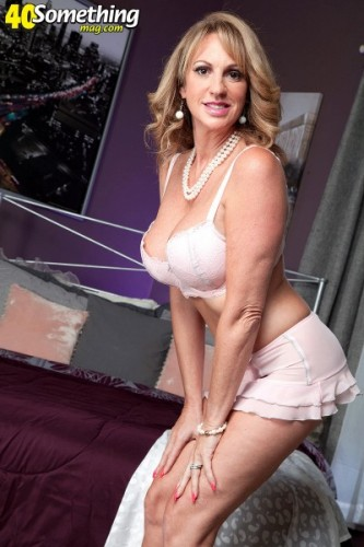 Annette Hotwife - Annette Fucks, Hubby Watches FullHD 1080p