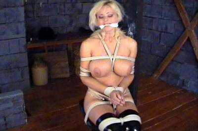 Katarina Topless Cleave Gagged