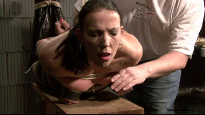 Slave Eva in the Dungeon Again 1